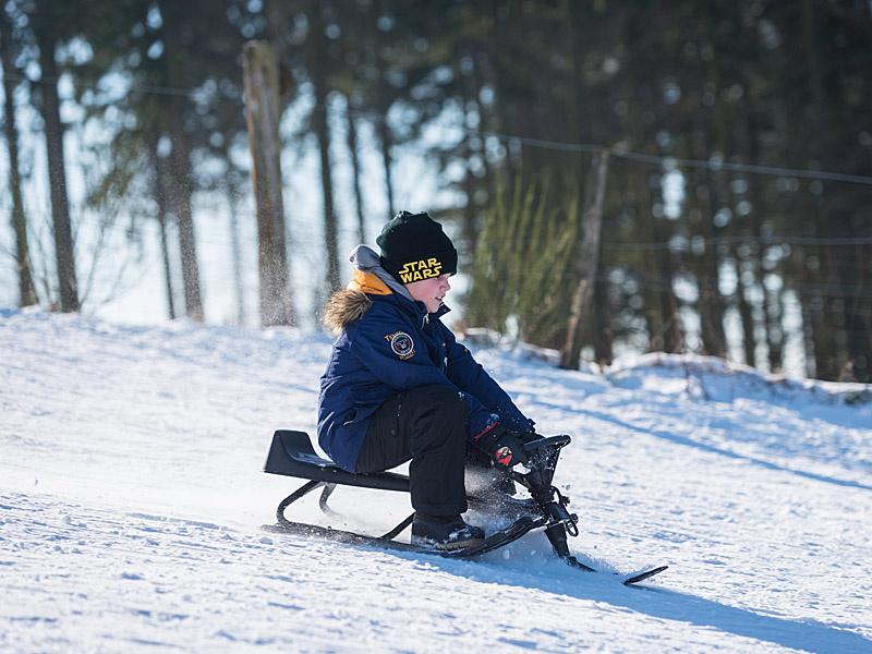 Wunderbares Schneevergnügen mit den Kindern