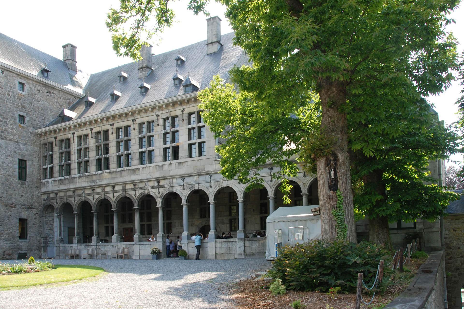 Château de Harzé - Cour