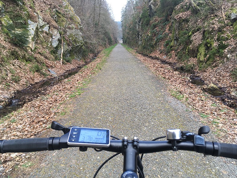 Summer bike rides - From the waterfall to the circuit