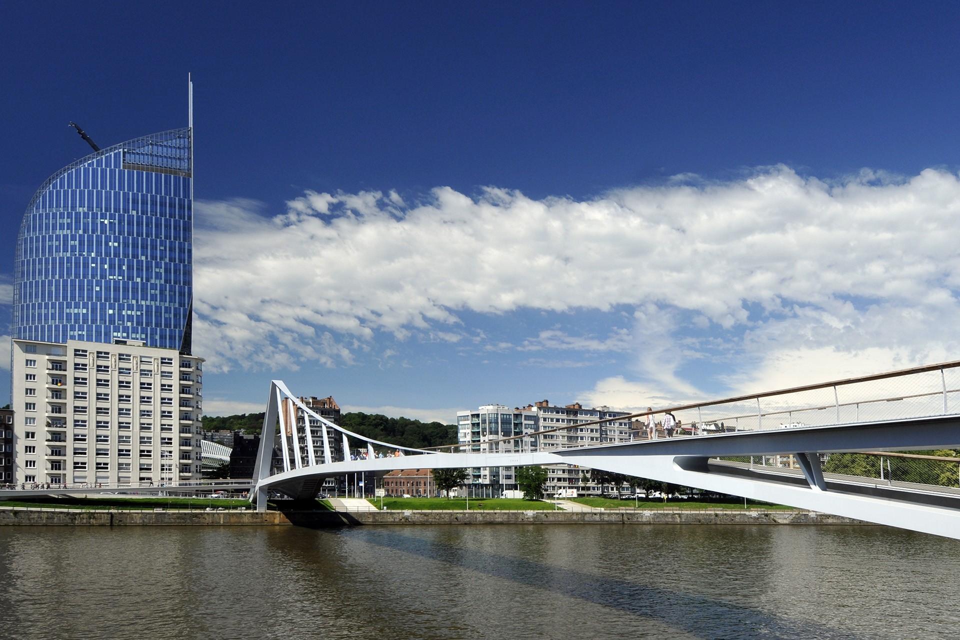 Tour des Finances depuis la Meuse