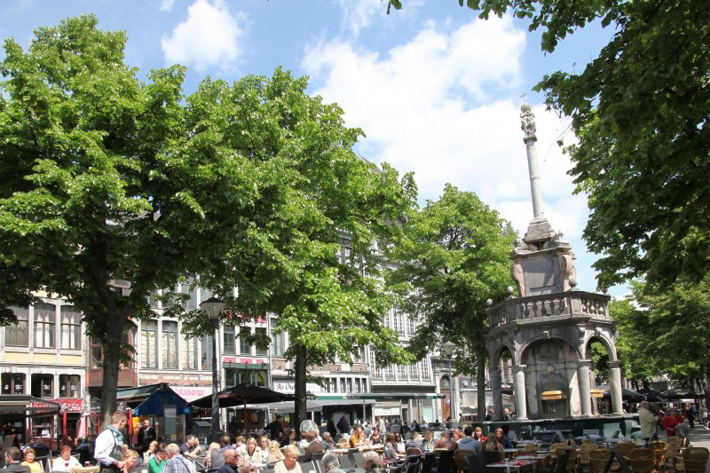 Le Perron et la Place du Marché - Liège