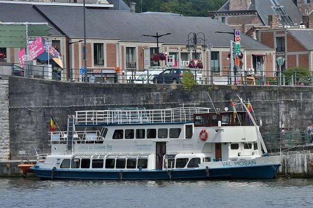Le bateau Val Mosan à Huy ©FTPL P.Fagnoul