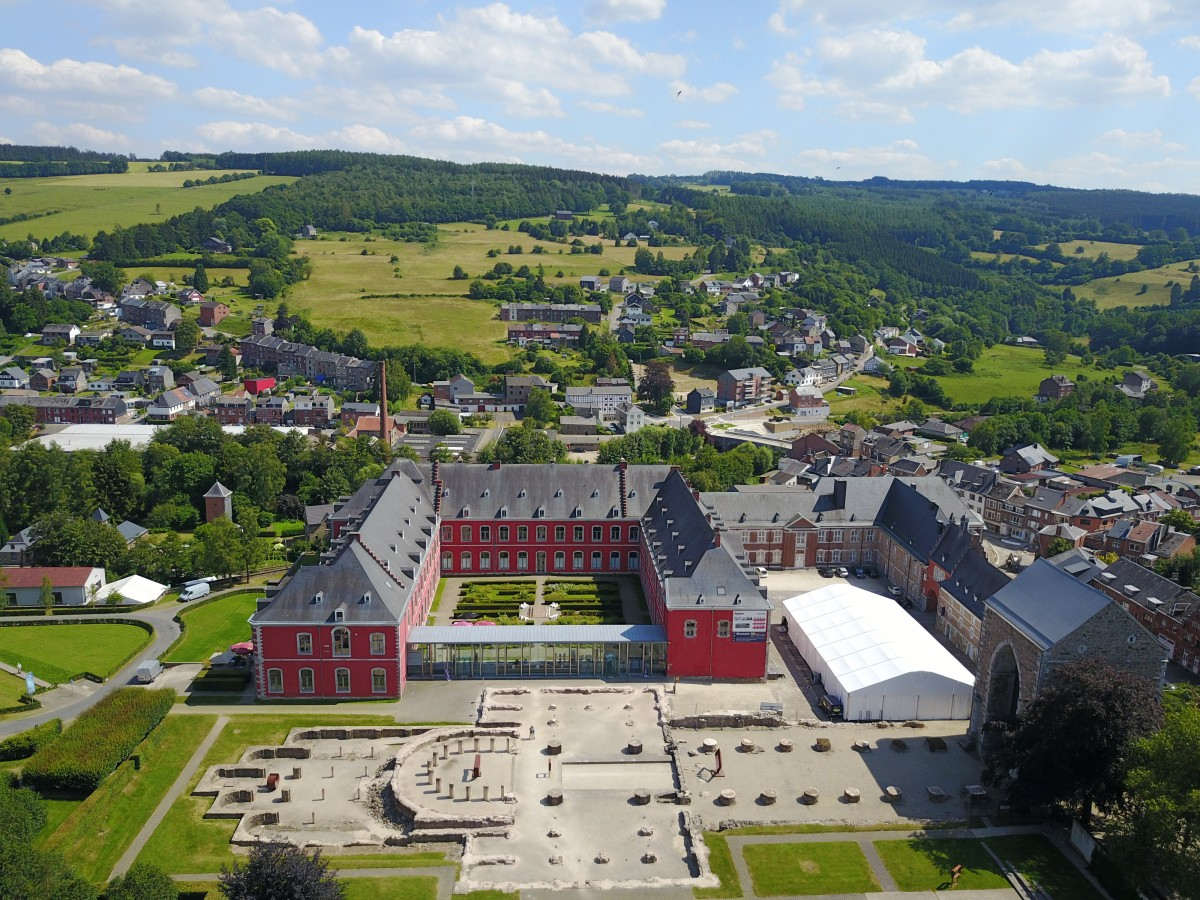 Drone-ciel-stavelot-abbaye-copyright-maxime-lacaille (16)