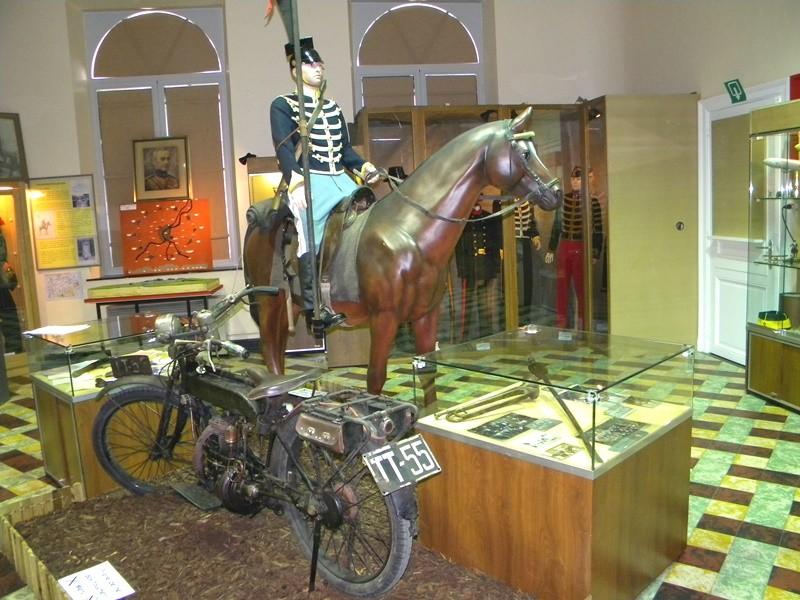 Maison du Souvenir - Cavalier FONCK et Moto FN (c)