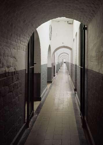 Couloir des cellules.jpg