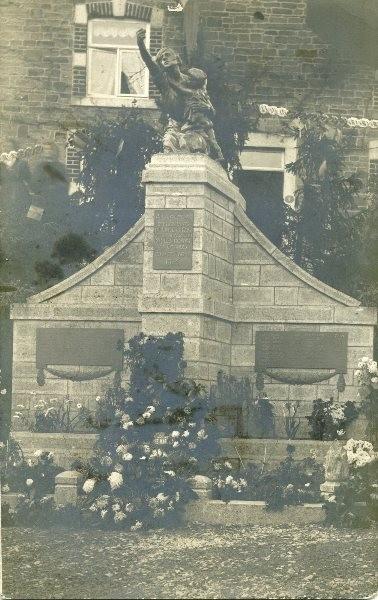 Premier monument Lincé