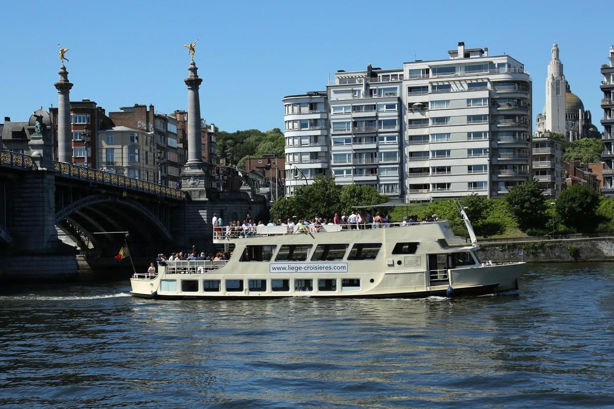 Liège Croisières pour groupes - Le Prince Albert au Pont de Fragnée