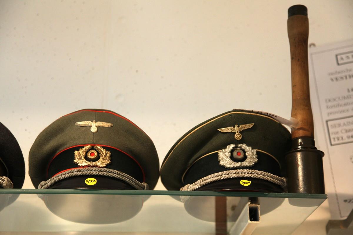 Musée du Fort de Boncelles - Boncelles - Képis militaires