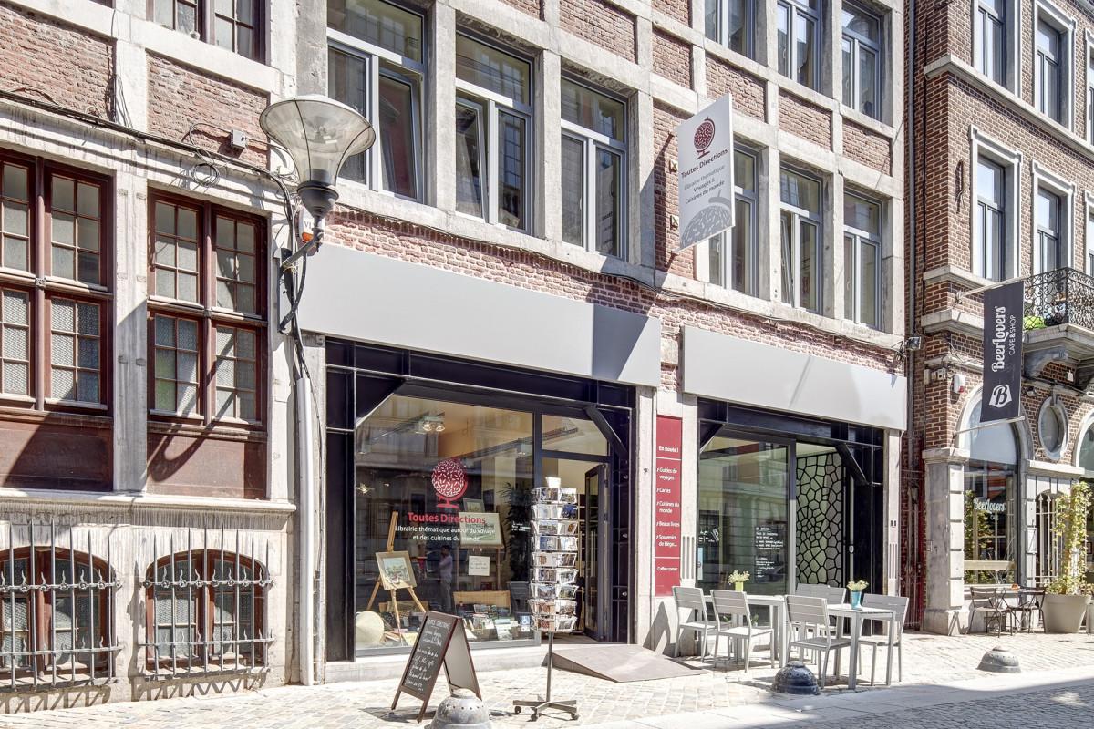 Librairie toutes directions - façade
