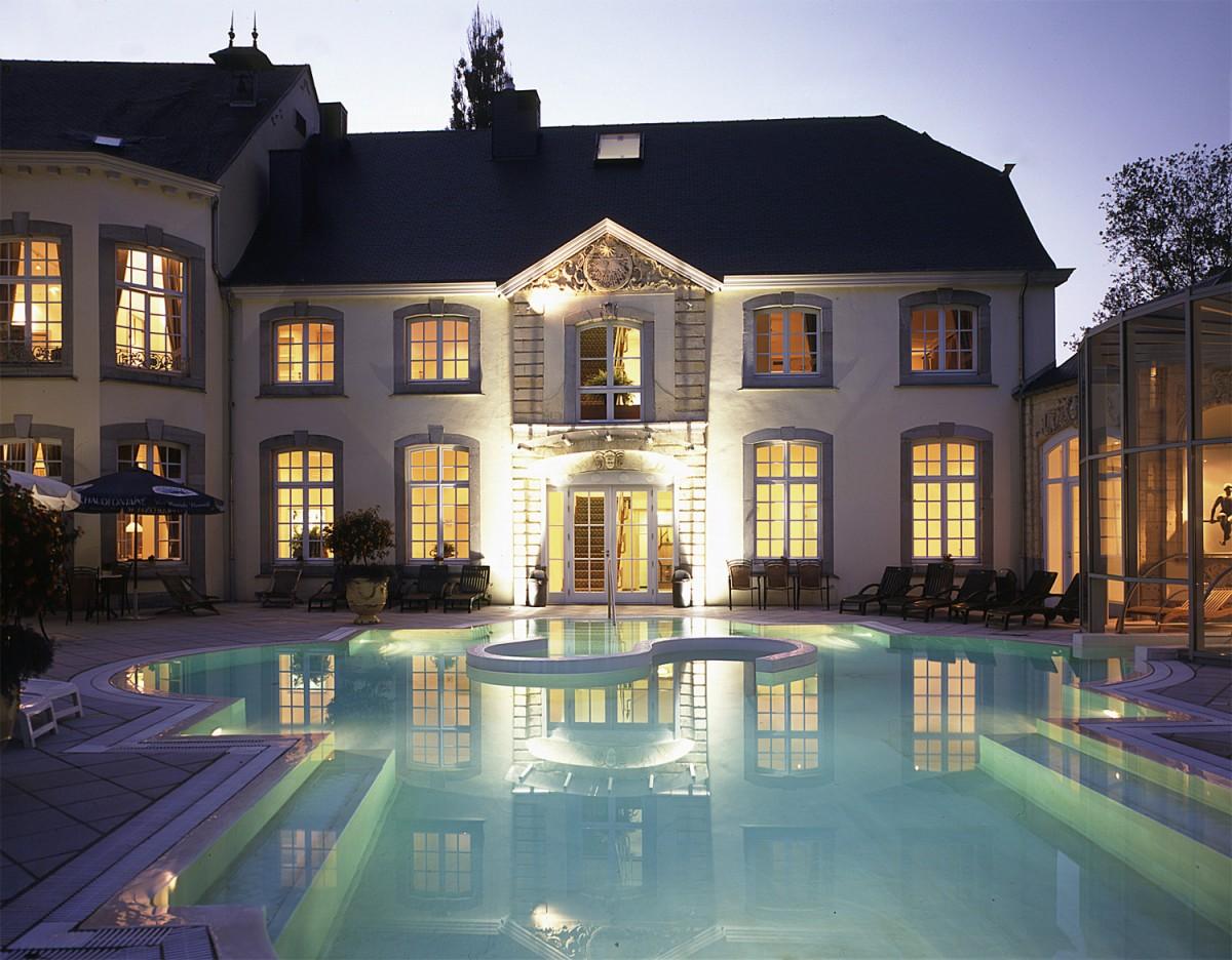 Chateau-des-Thermes - Chaudfontaine - Piscine extérieure