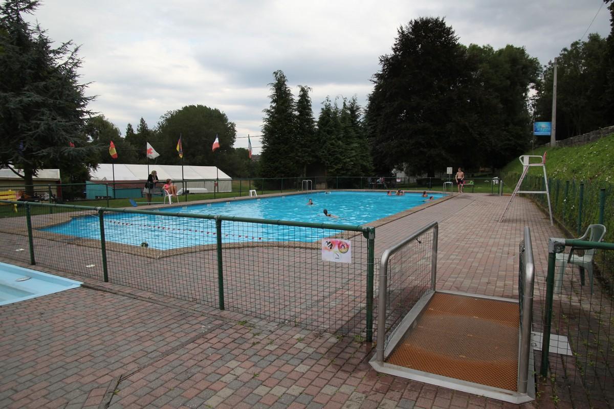 Pisicne en plein air d'Ocquier - piscine et chapiteau