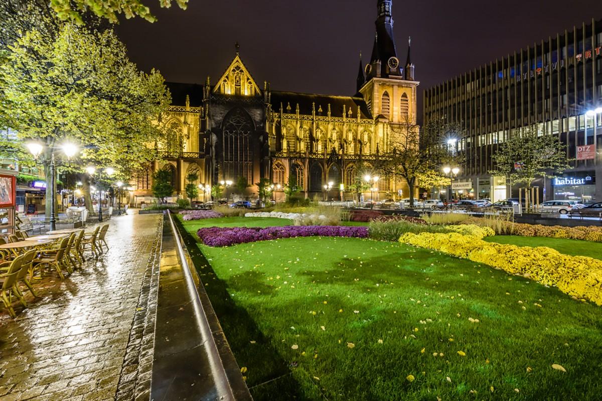 Liège - la place Cathédrale - 2