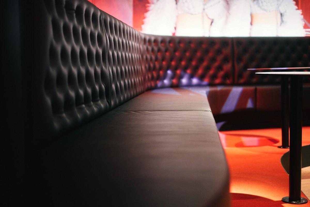 Studio 20 - Karaoké - Scène - places assises