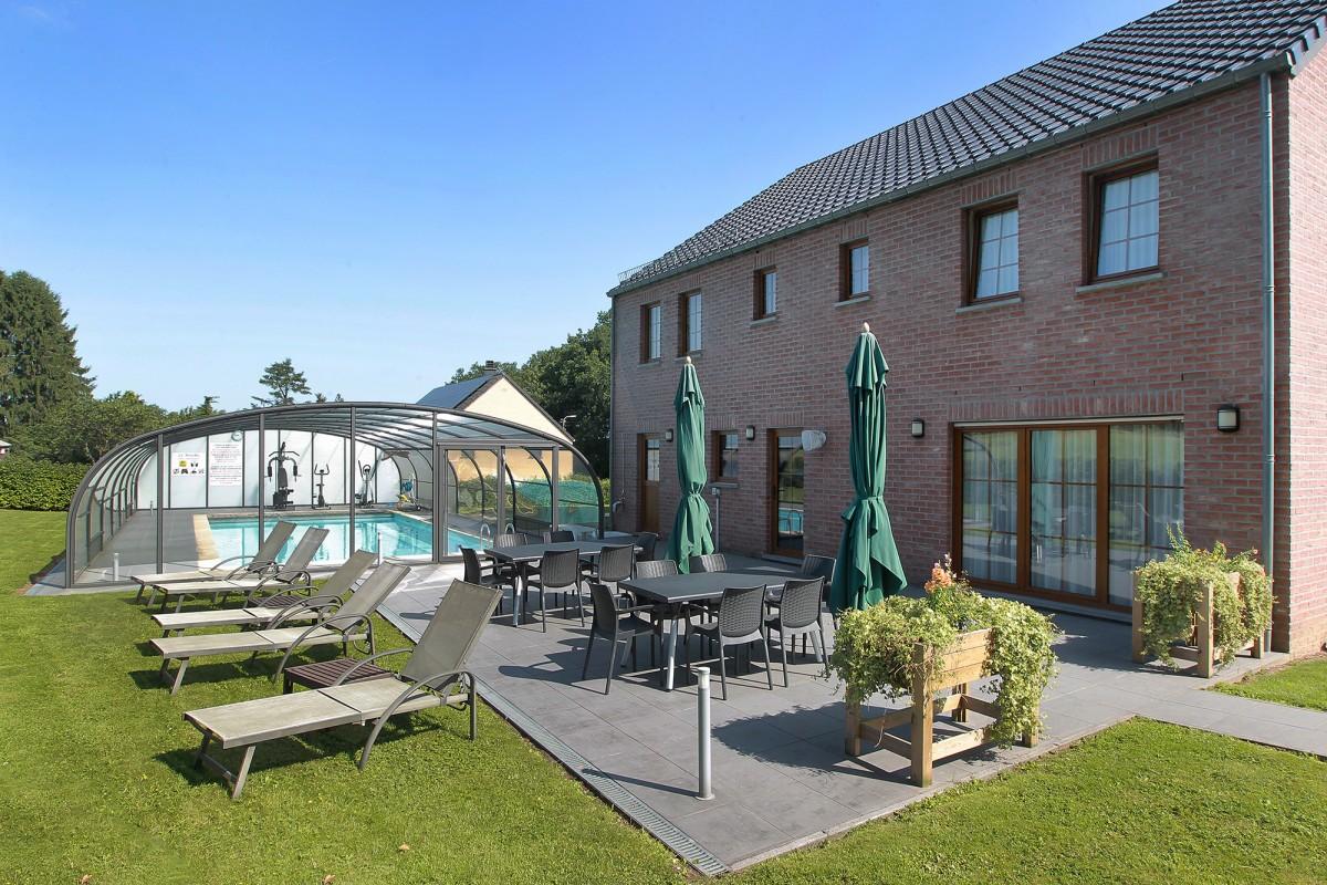 Hôtel le Ménobu - La Reid - Piscine et terrasse