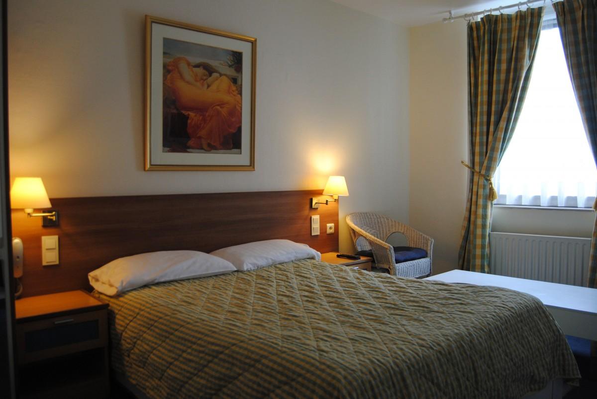 Hôtel la Passerelle - Chambre double avec éclairage