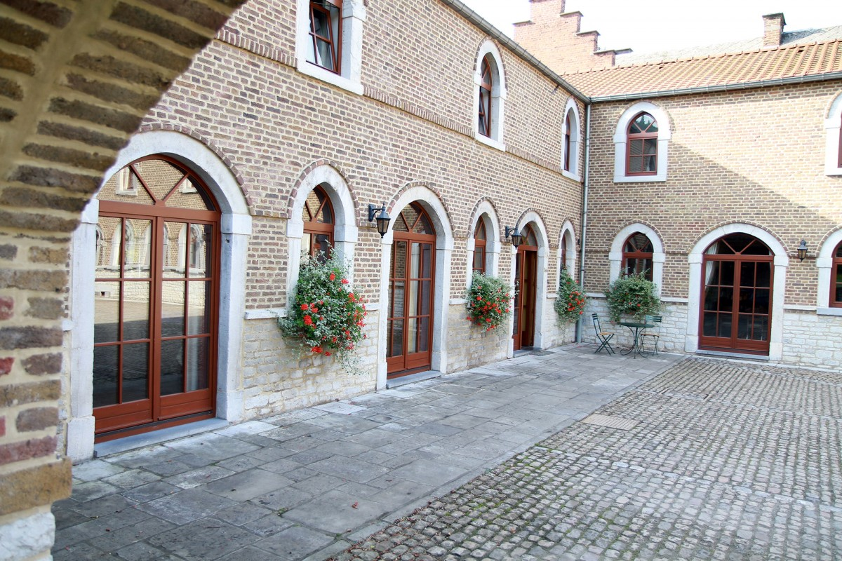 Hôtel du Château d'Ahin - Ben-Ahin - Cour intérieure
