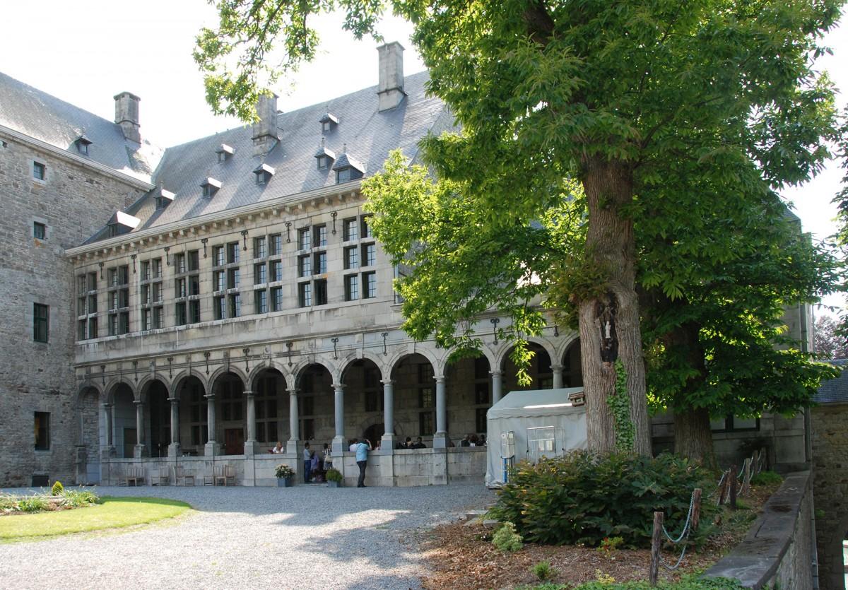 Château de Harzé - Harzé - Cour intérieure