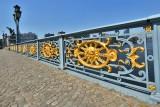 Pont de Fragnée - Liège - rambardes avec médaillons.