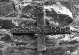 Rahier église - Croix funéraire de 1620 en fonte coulée