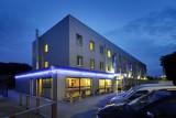 Hôtel Ibis Budget Aachen Raeren Grenze - Façade de nuit
