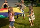 Kinderanimation fallschirm kinder