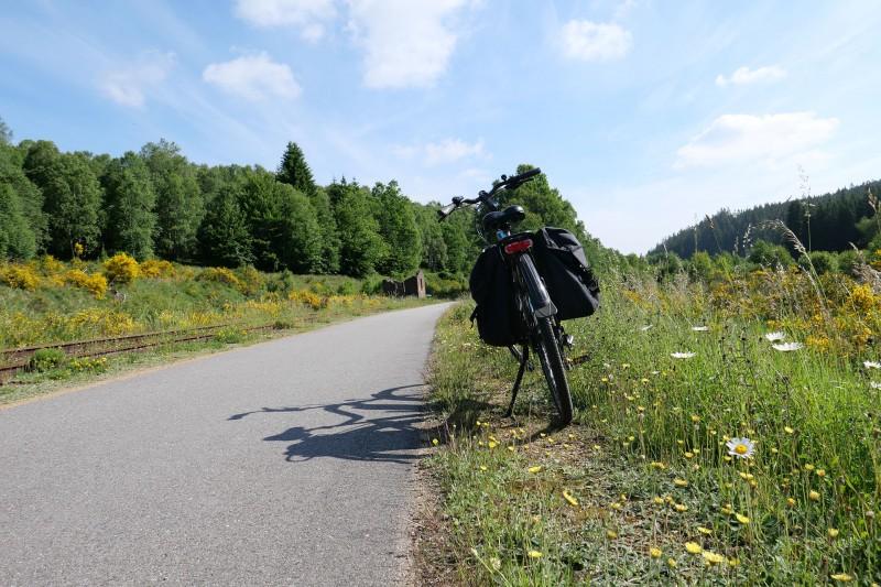 Fahrräder, Züge & Landschaften - Das Hohe Venn - Straße - das Venn