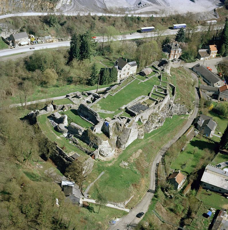 Château féodal de Moha - Moha - vue aérienne