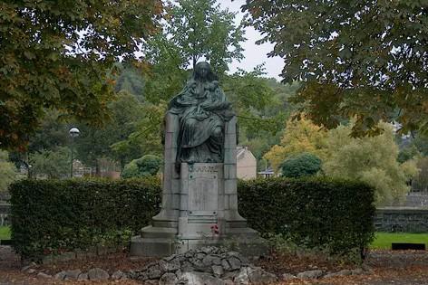 Statue Madame Montéfiore