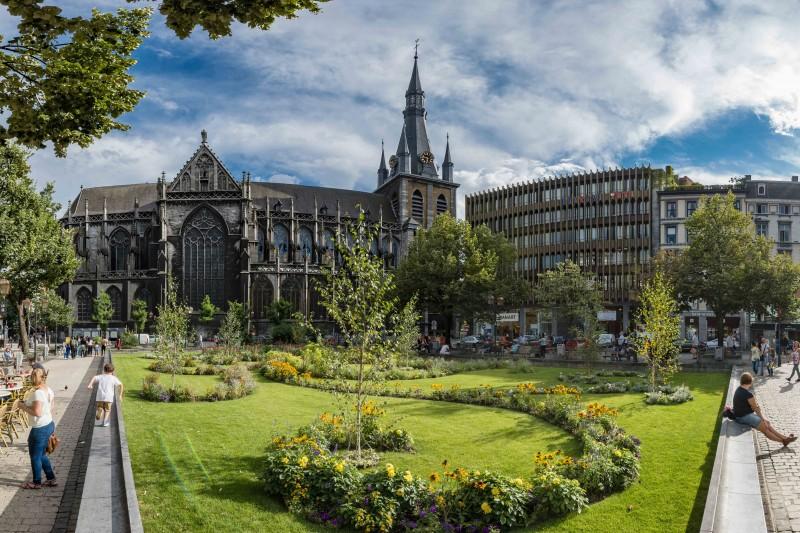 Liège - La place Cathédrale - 1
