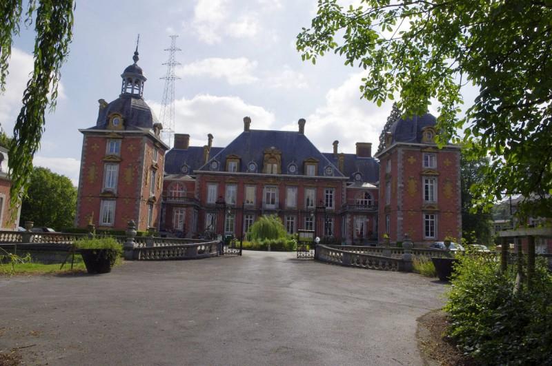 Neuville-chateau-c-Traumrune