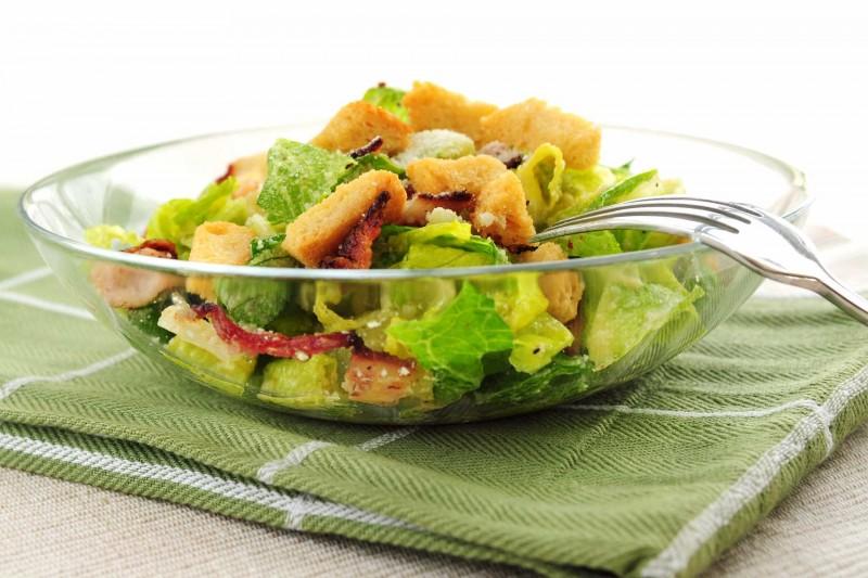 Salade-frisee-liegeoise-aux-lardons