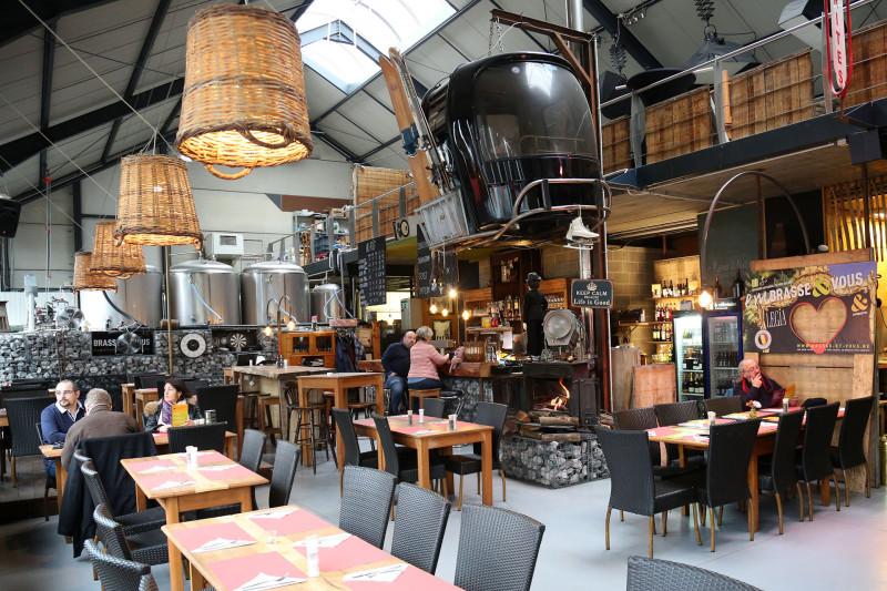 Réfectoire de la Brasserie - Rocourt - Vue du resto et des cuves