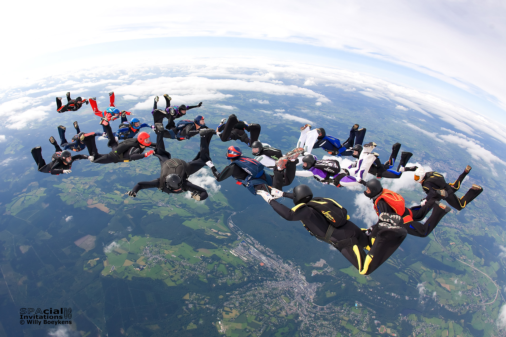 Skydive spa le saut en parachute tandem spa - Saut en parachute nevers ...