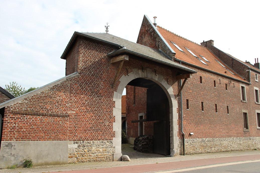 Le porche de ferme-facade