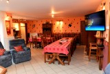 Gîtes de Chevémont - Hombourg - Salle à manger -  Grand écran Dauphin