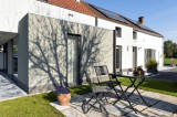 Gîte la Gitounette de la Burdinale - façade arrière et terrasse