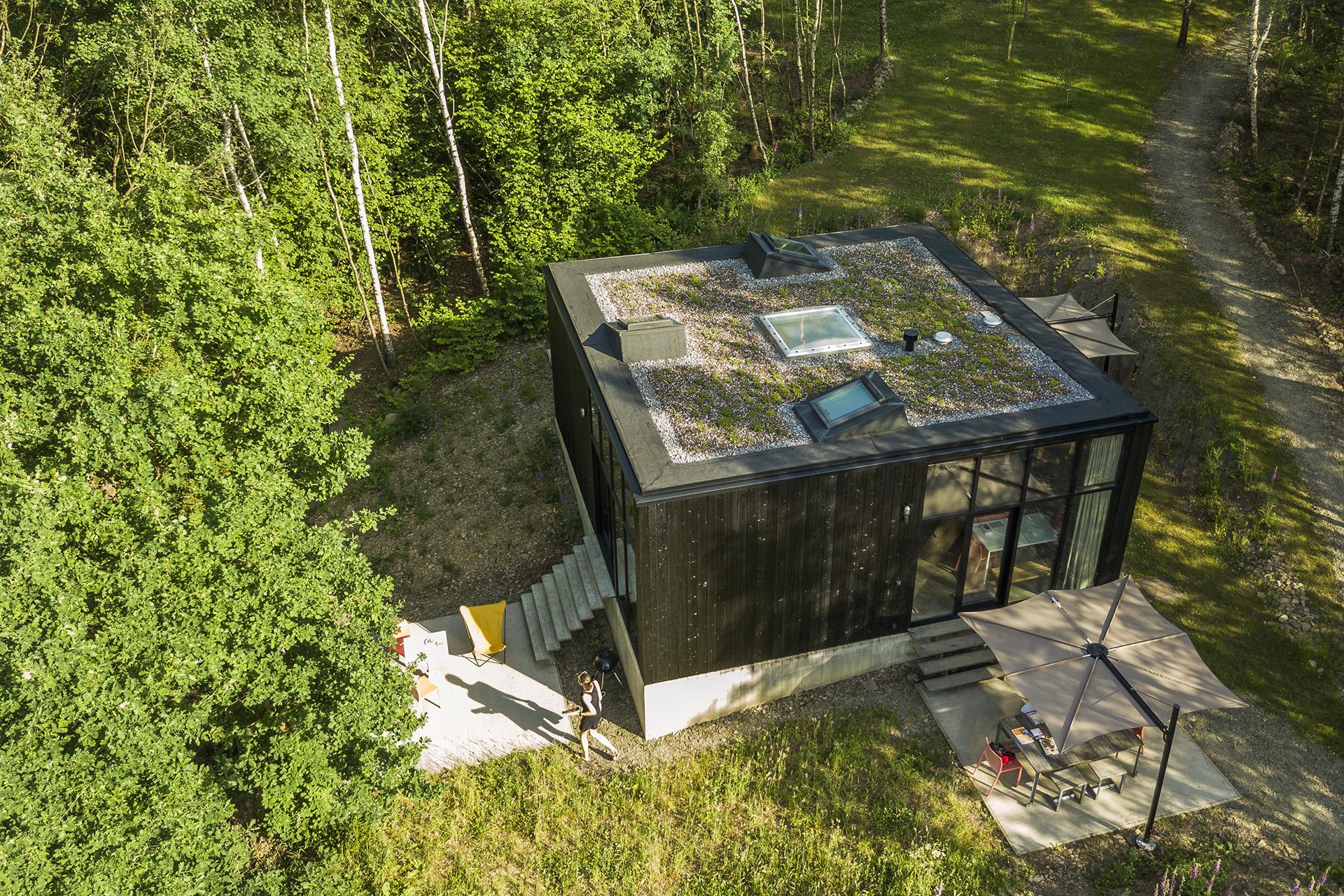 le bois br l lierneux meubl de tourisme jusqu 39 8 personnes province de li ge. Black Bedroom Furniture Sets. Home Design Ideas